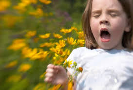 allergy girl sneezing